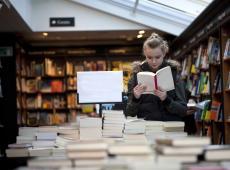 Bibliotheekbezoekers willen latere openingsuren N-Va Axel Ronse  Schepen van Cultuur
