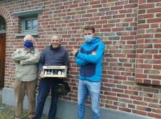 Axel Ronse zetten vrijwilligers Dyzo in de bloemetjes