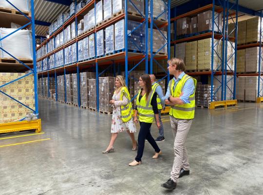 100 bedrijven, 100% West-Vlaanderen, voor 100% tewerkstelling