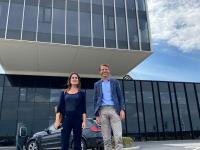 Voor het hoofdkantoor van ICO in Zeebrugge