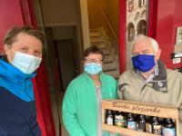 Axel Ronse zet vrijwilligers Dyzo in de bloemetjes